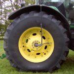 Traktori rengaspaineen säätö