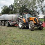 Rengaspaineen säätöjärjestelmä traktorissa ja lietekärryssä